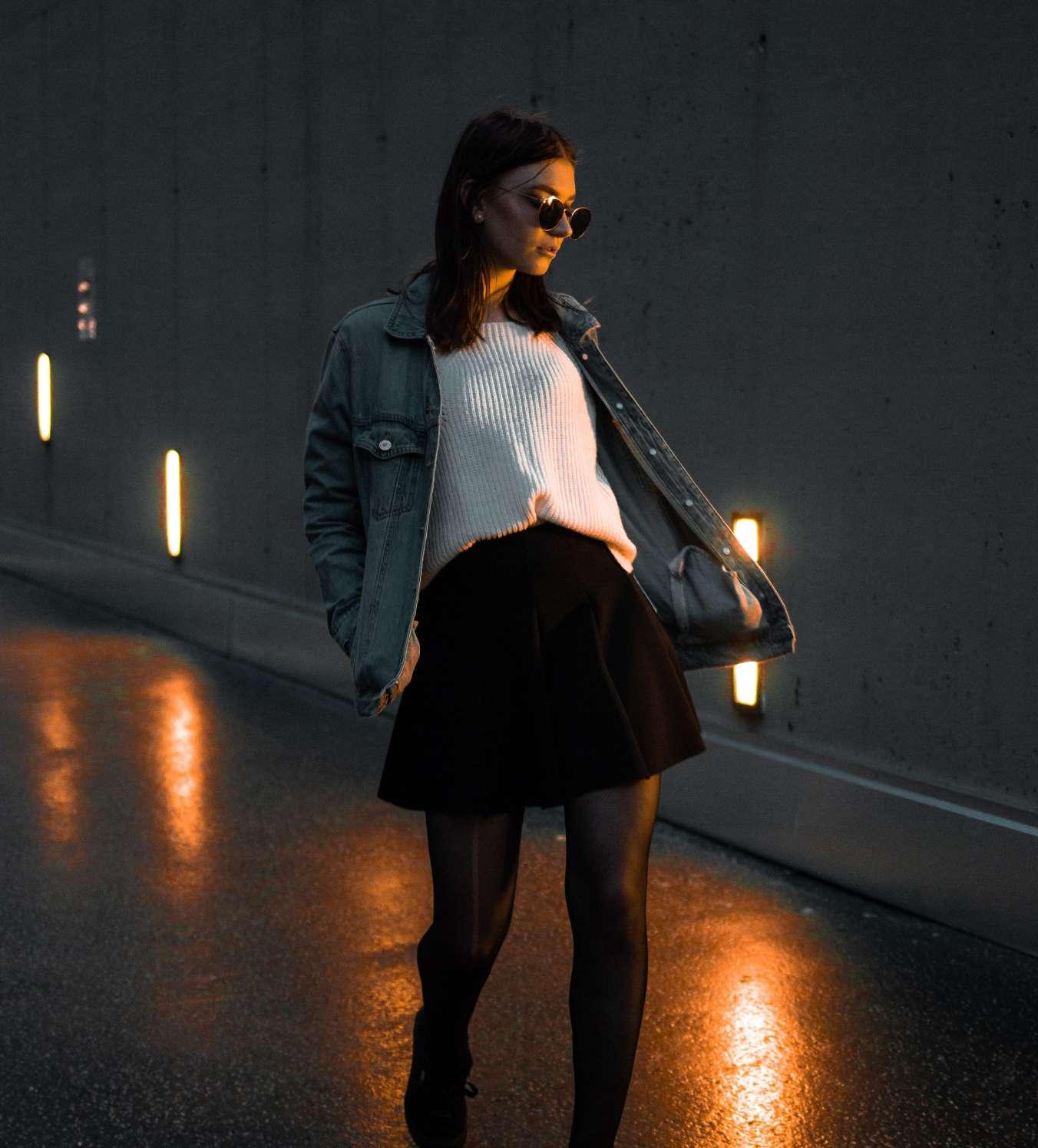 Работа моделью ночью работа для девушек в ночном клубе москва вакансии